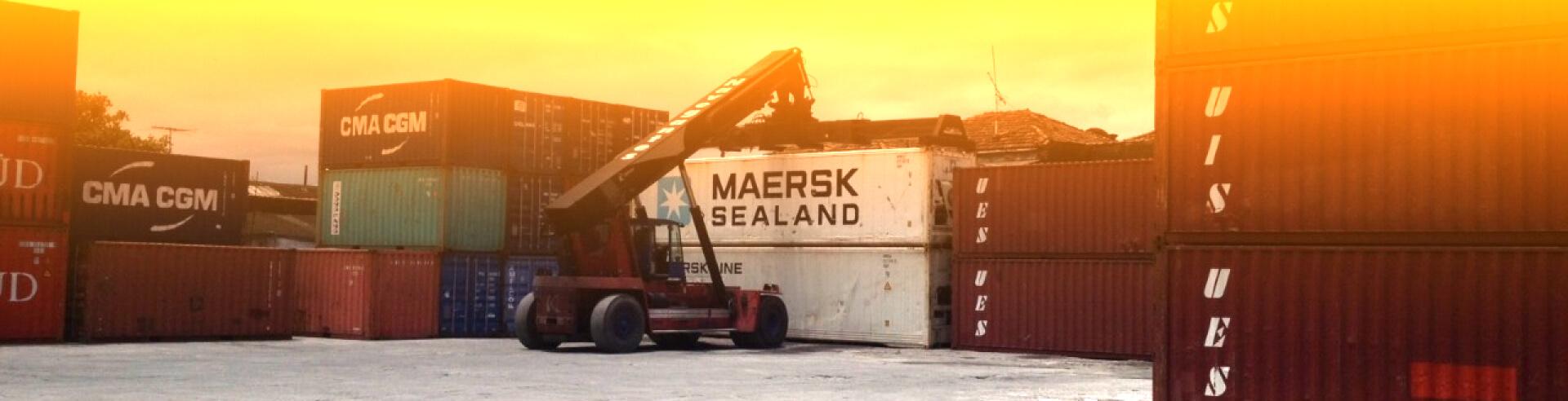 Empilhadeira Stacker   Transportadora Navegantes